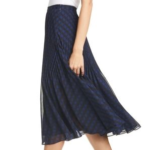 🌼 NWOT Club Monaco pleated skirt